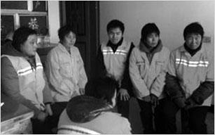被无故辞退的宁连高速公路南京六合段8名保洁员
